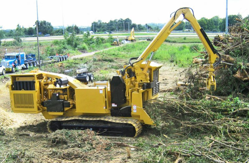 Bandit  3090 Track DRUM Style Whole Tree Chipper full