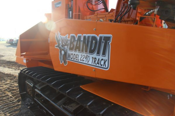 Bandit 2290 Track DRUM Style Whole Tree Chipper full
